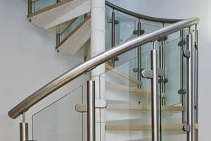 Stainless steel and glass spiral balustrade